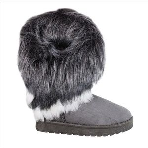 Grey winter faux suede boots with faux fur trim